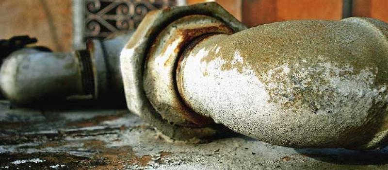 mantenimiento de tuberías de saneamiento urbano