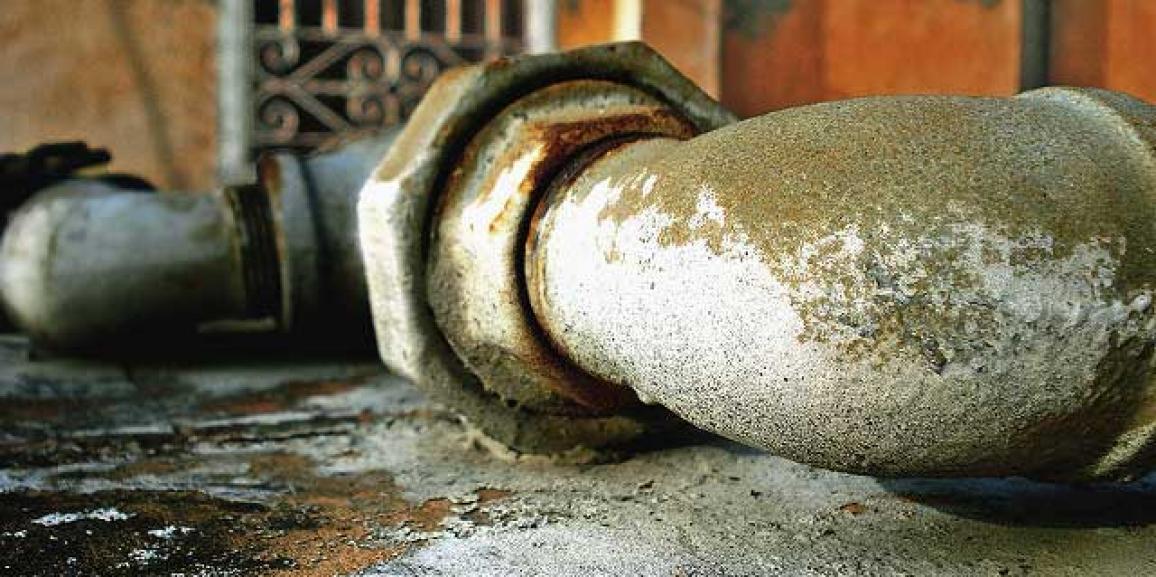 Por qué se rompen las tuberías de saneamiento urbano